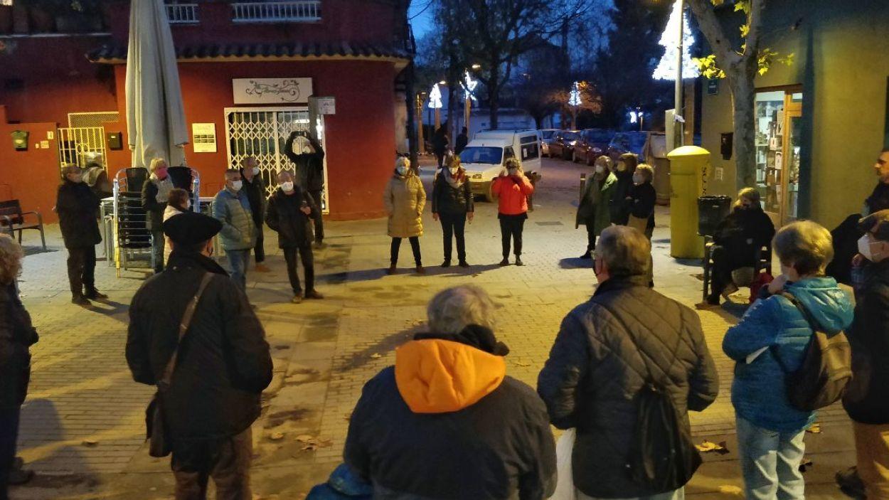 L'assemblea ha tingut lloc a la plaça de Miquel Ros de la Floresta / Foto: Cugat Mèdia