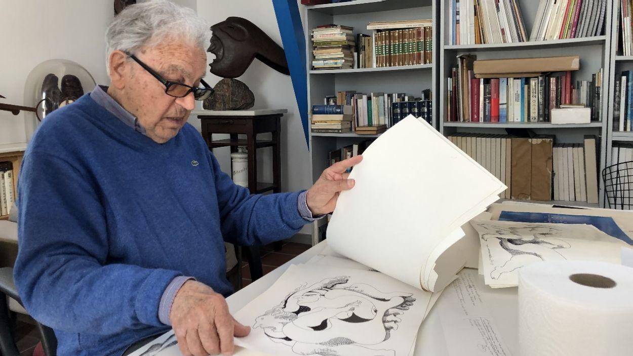 Josep Pla-Narbona en una imatge d'arxiu al seu estudi a la Floresta / Foto: Cugat Mèdia