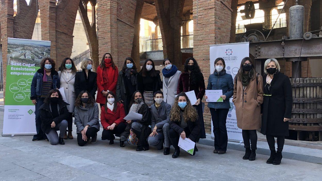 Les participants del 'Take Off' amb l'organització / Foto: Cugat Mèdia