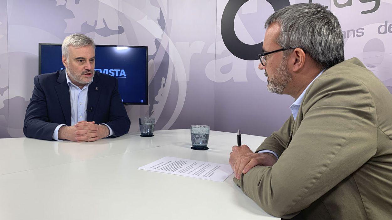 Francesc Carol durant l'entrevista a Cugat Mèdia / Foto: Lluís Llebot