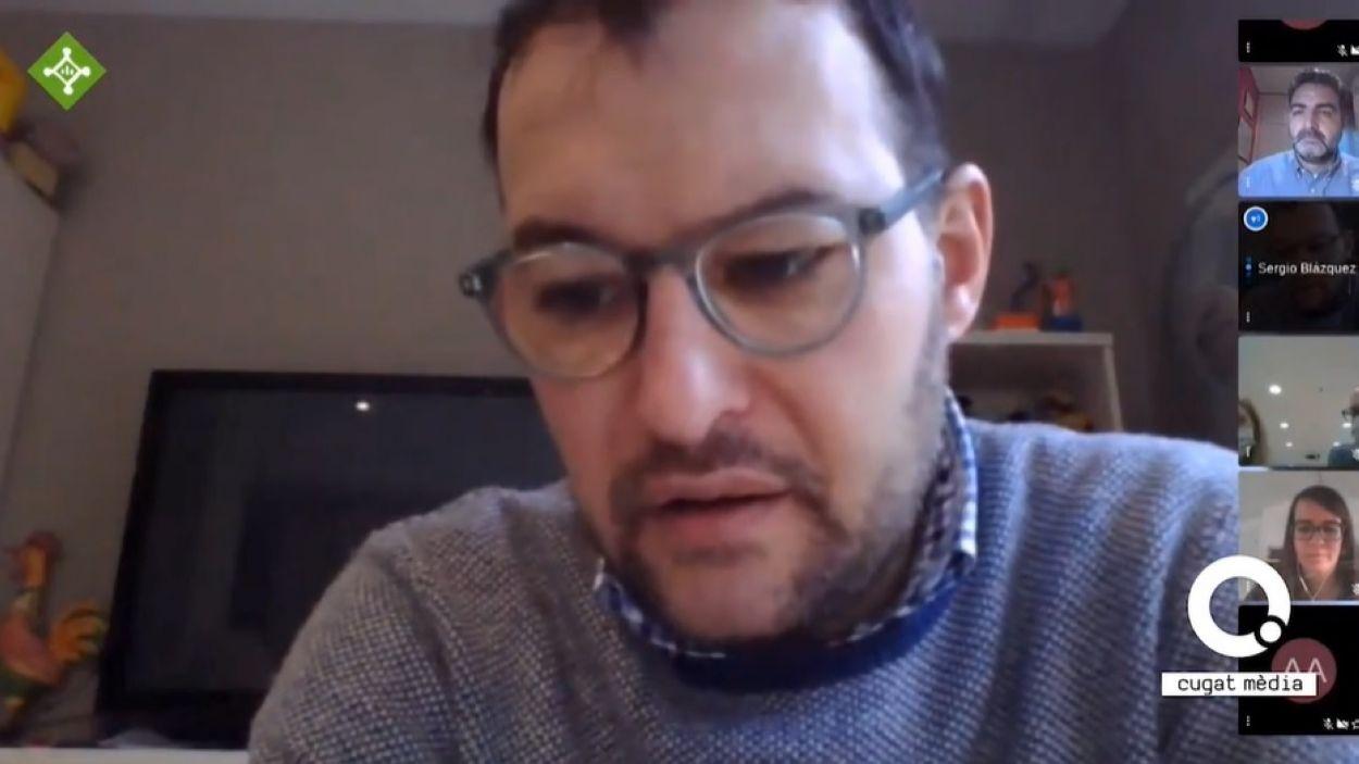 El regidor de Cs Sergio Blázquez, durant la seva intervenció al Ple Extraordinari / Foto: Cugat Mèdia