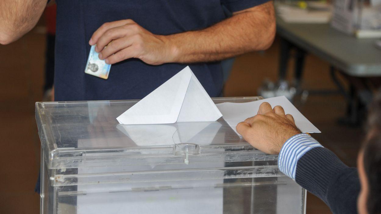 En quins casos pots quedar exempt de formar part d'una mesa electoral?