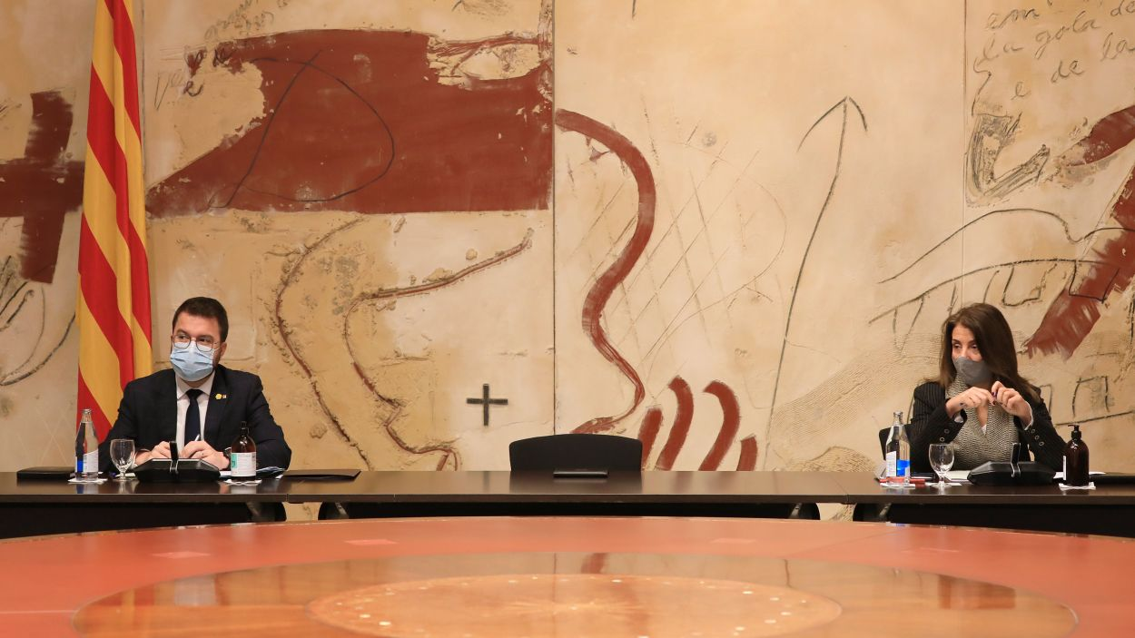 Pere Aragonès i Meritxell Budó a la reunió del Consell Executiu / Foto: Jordi Bedmar / Generalitat de Catalunya