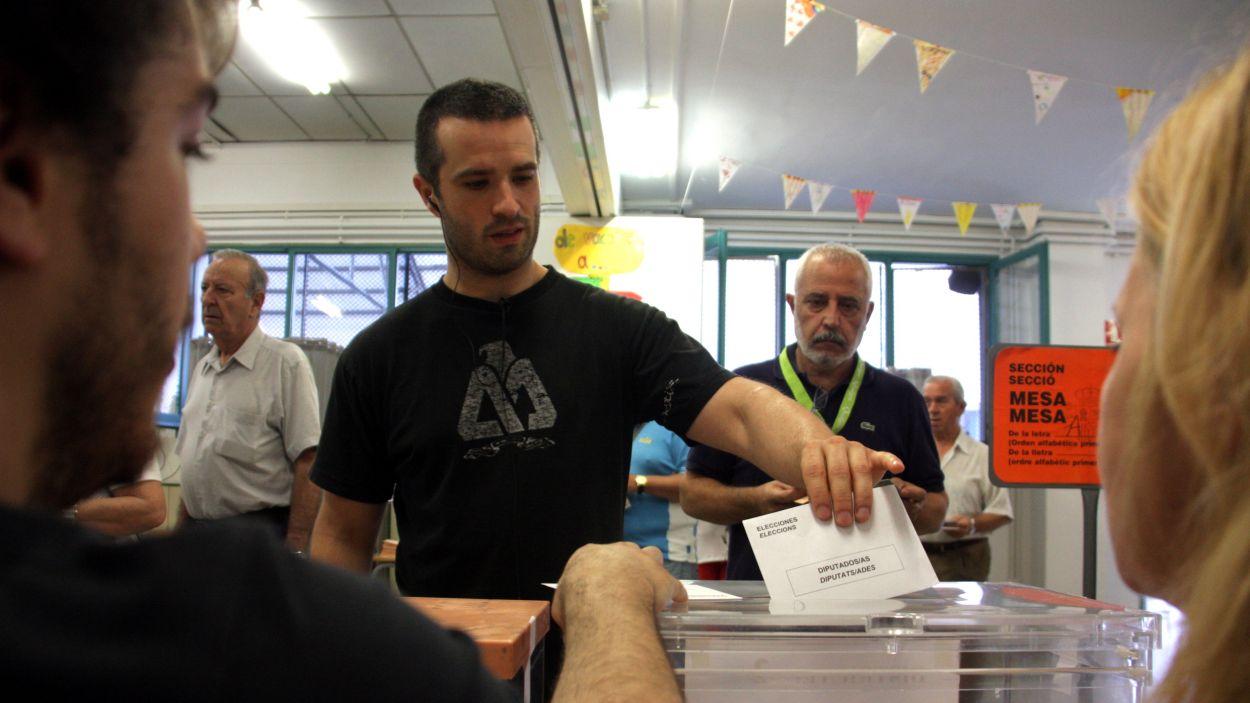 El Govern farà PCR o test d'antígens previ a tots els membres de les meses electorals