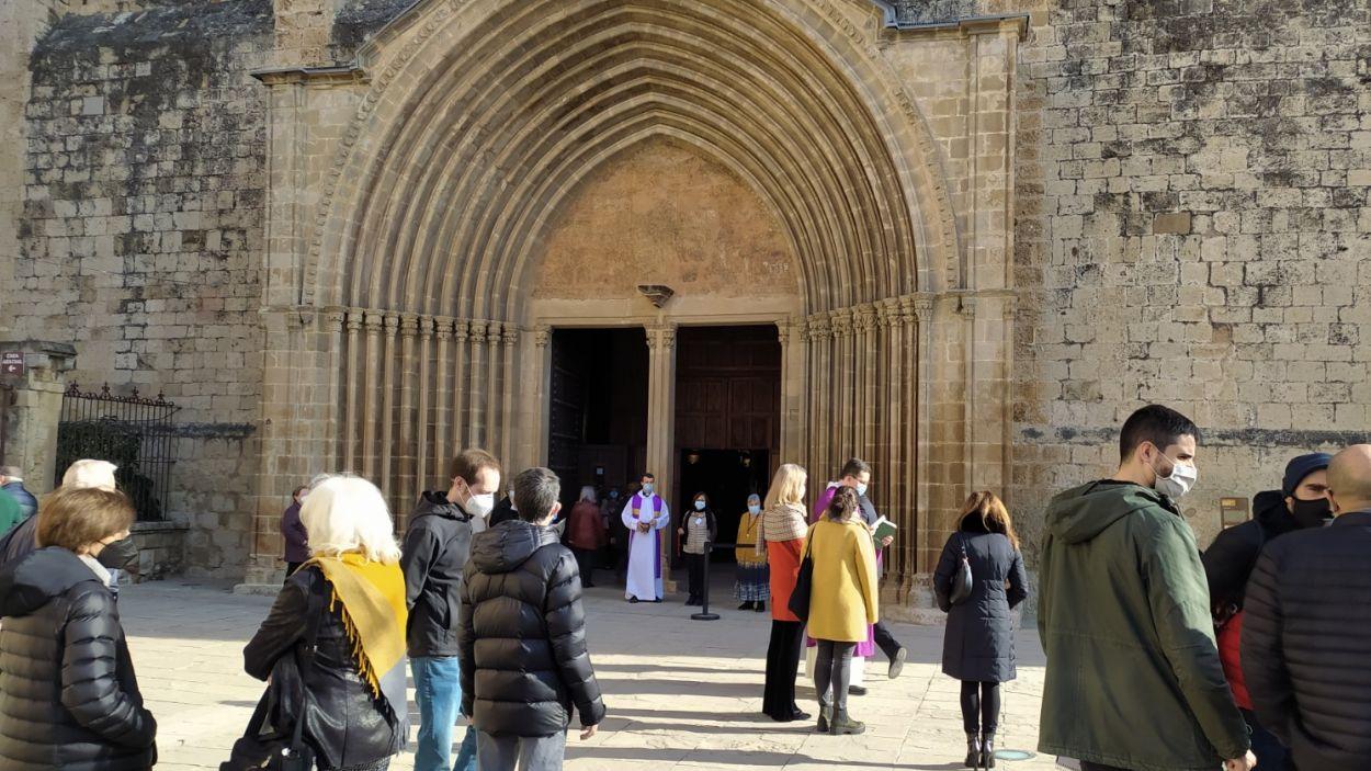 Més de 150 persones s'han apropat al Monestir per dir adéu a Pere Pahissa / Foto: Cugat Mêdia