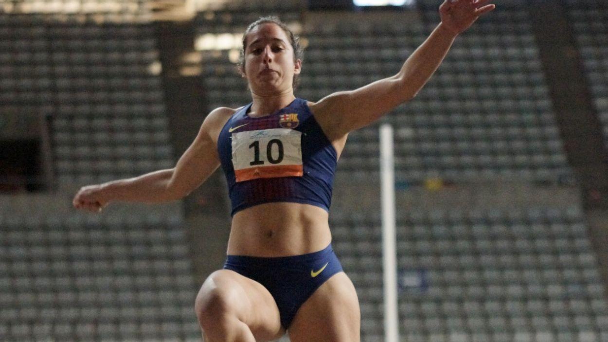 Cora Salas durant un dels salts de la competició / Font: JJ Vico