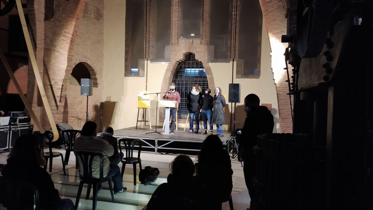 Núria Gibert, Maria Gordillo i Eulàlia Reguant a l'acte de campanya electoral de la CUP al Celler Cooperatiu / Foto: Cugat Mèdia