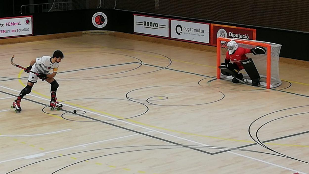 Pau Gilabert ha estat peça clau en el triomf vermell-i-negre / Foto: Cugat Mèdia
