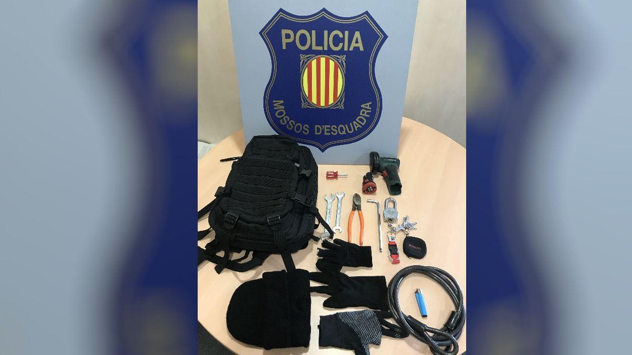 Els Mossos detenen a Sant Cugat un menor d'edat per un robatori amb força a una casa