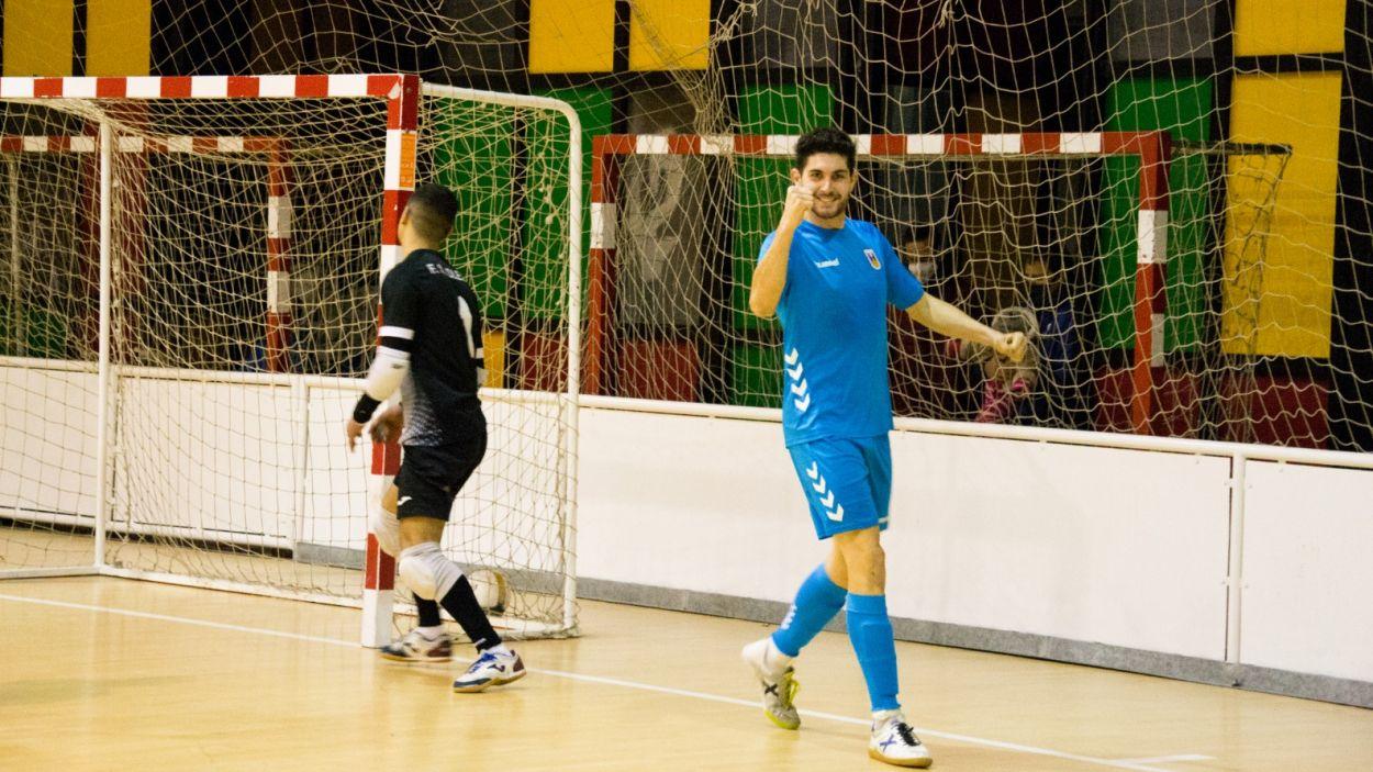 Enric Pallé celebrant un dels 13 gols que ha marcat amb l'Olímpyc Floresta / Font: Olímpyc Floresta