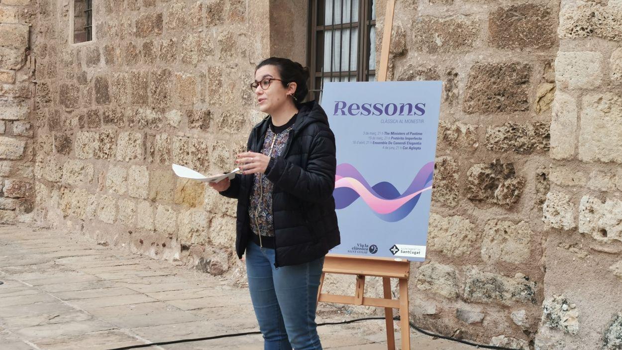 La tinenta d'alcaldia de Cultura, Esther Madrona, durant la presentació del cicle / Foto: Cugat Mèdia