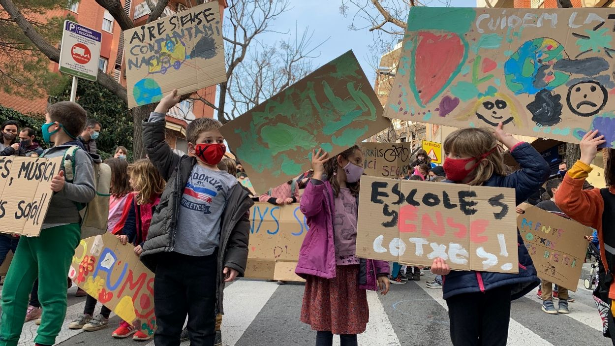 Els infants, protagonistes de la 'Revolta Escolar' / Foto: Cugat Mèdia