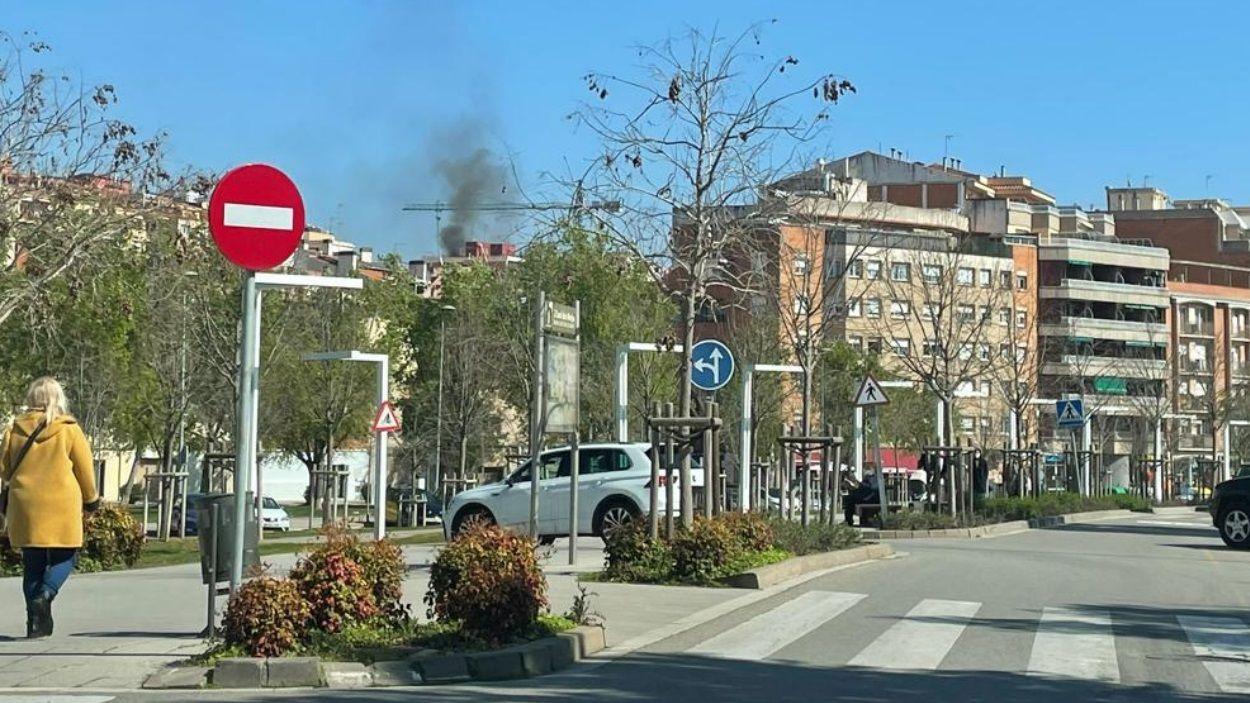 Imatge del fum des de la Rambla del Celler / Foto: Cugat Mèdia