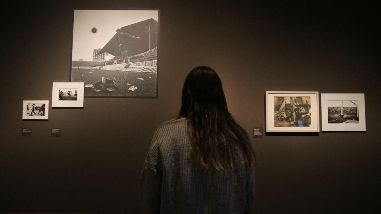 Fotografies prèvies a la Guerra Civil d'Antoni Campañà, a l'exposició que li dedica el MNAC / Foto: ACN