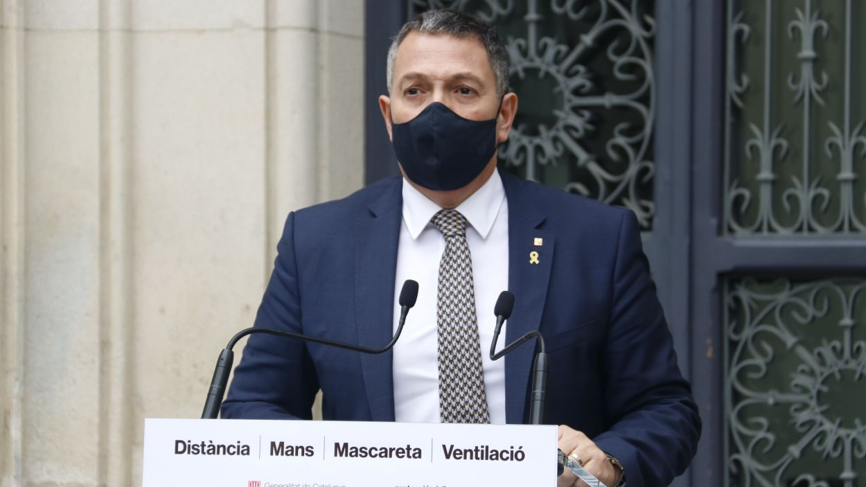 El conseller d'Interior en funcions, Miquel Sàmper, en una compareixença des del Departament d'Interior / Foto: ACN
