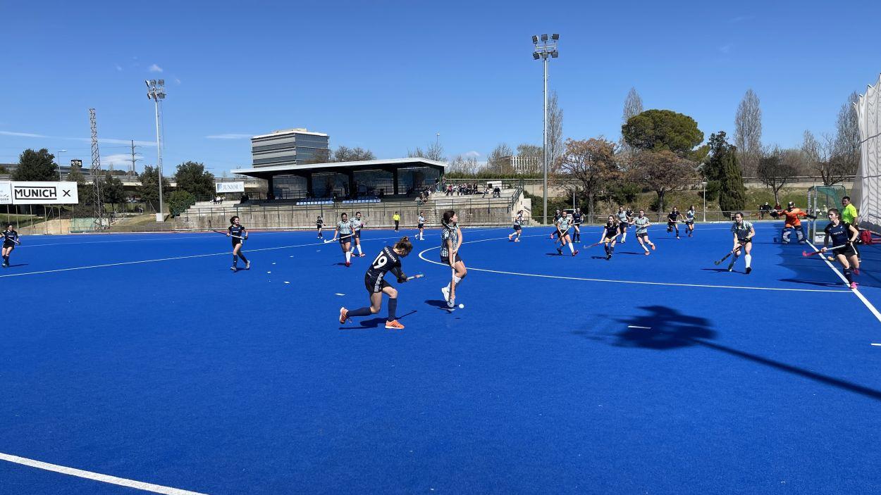 En imatge el partit entre el Junior Femení i el Rs Tenis / Font: Cugat Mèdia