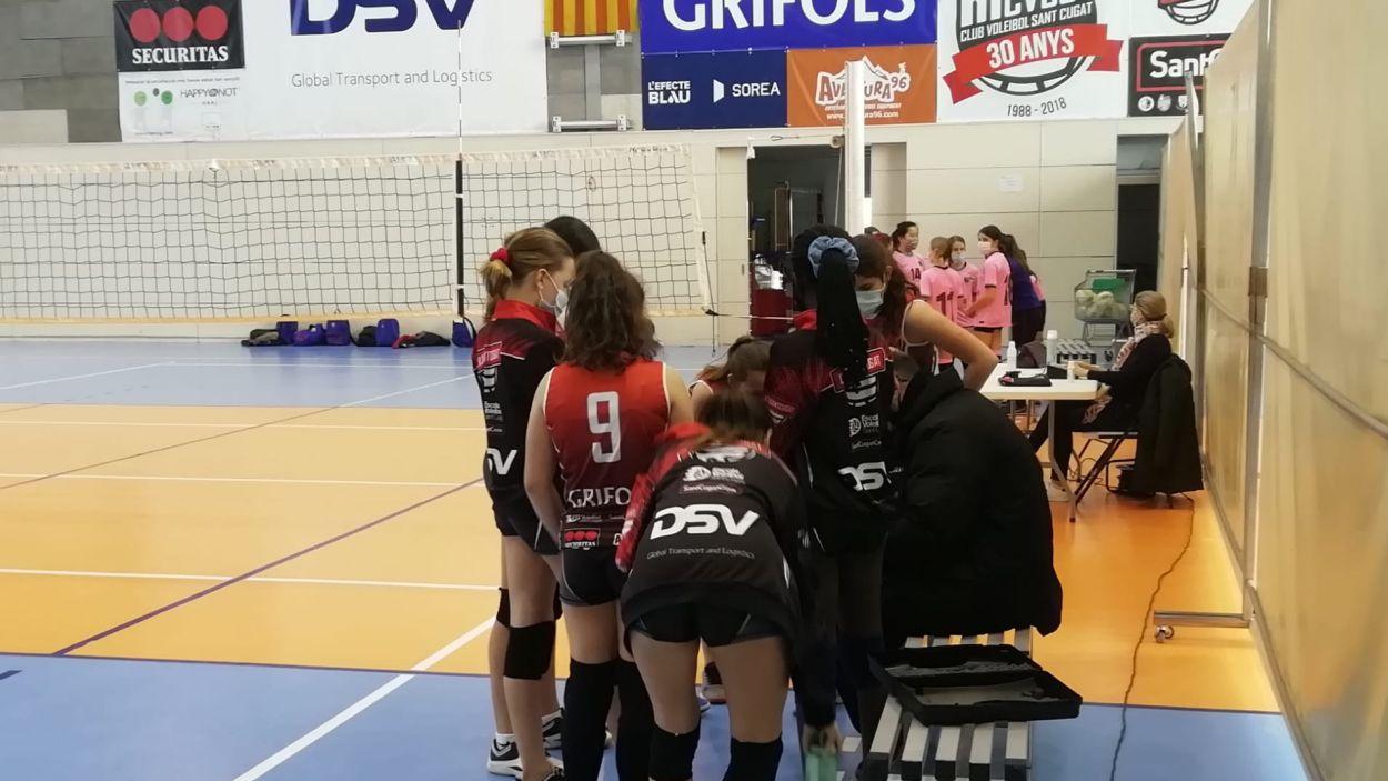 Partit entre dos conjunts de voleibol a Valldoreix / Foto: Cugat Mèdia