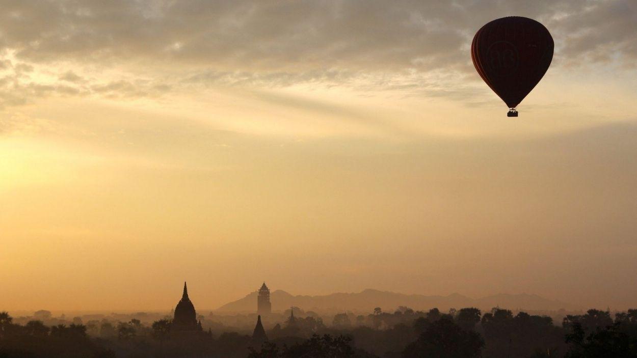 Viatja pel món amb 'L'Anell al dit' i Ràdio Sant Cugat
