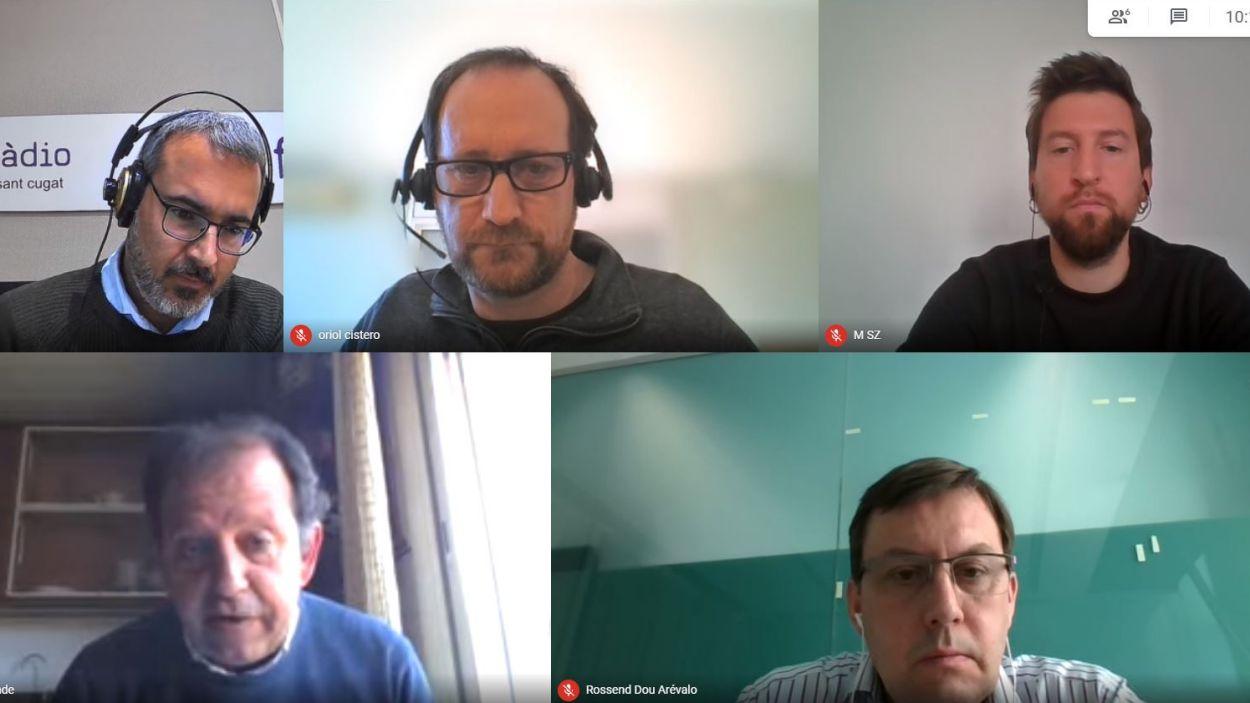 El presentador, Albert Solé; Oriol Cisteró (ERC); Marco Simarro (CUP); Carles Brugarolas (Junts) i Rossend Dou (PSC) en 'El Gall del Monestir' del 24 de març de 2021 / Foto: Meet
