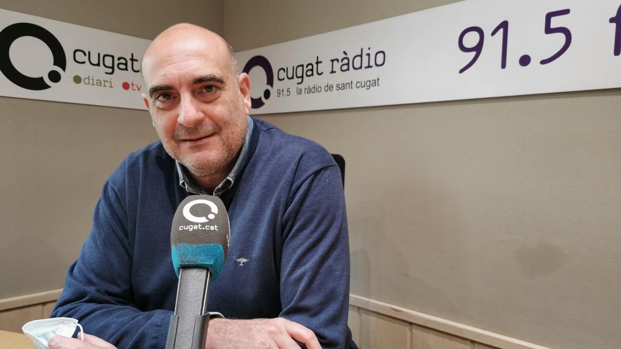 Xavier Bosch, a l'estudi Ramon Barnils de Ràdio Sant Cugat / Foto: Cugat Mèdia