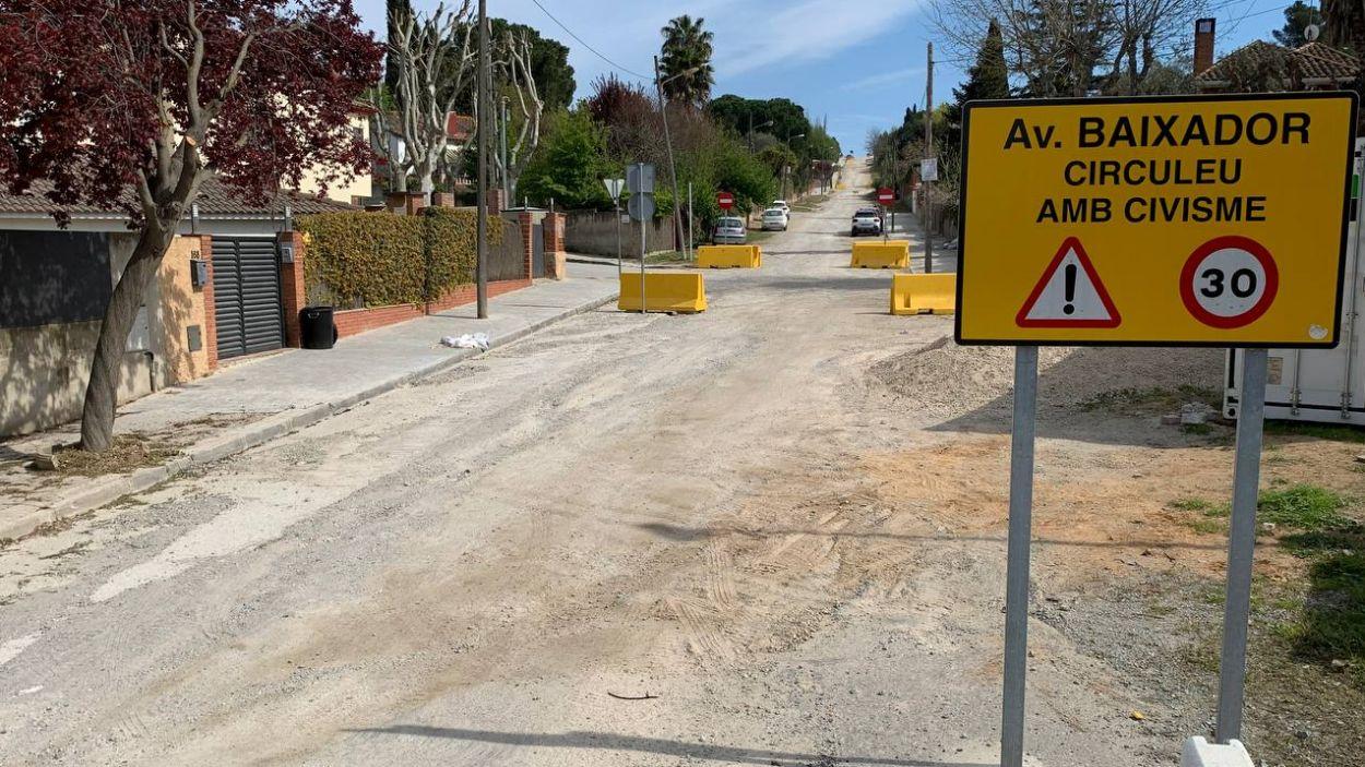 L'EMD ha instal·lat pilones de formigó a l'avinguda Baixador / Foto: EMD
