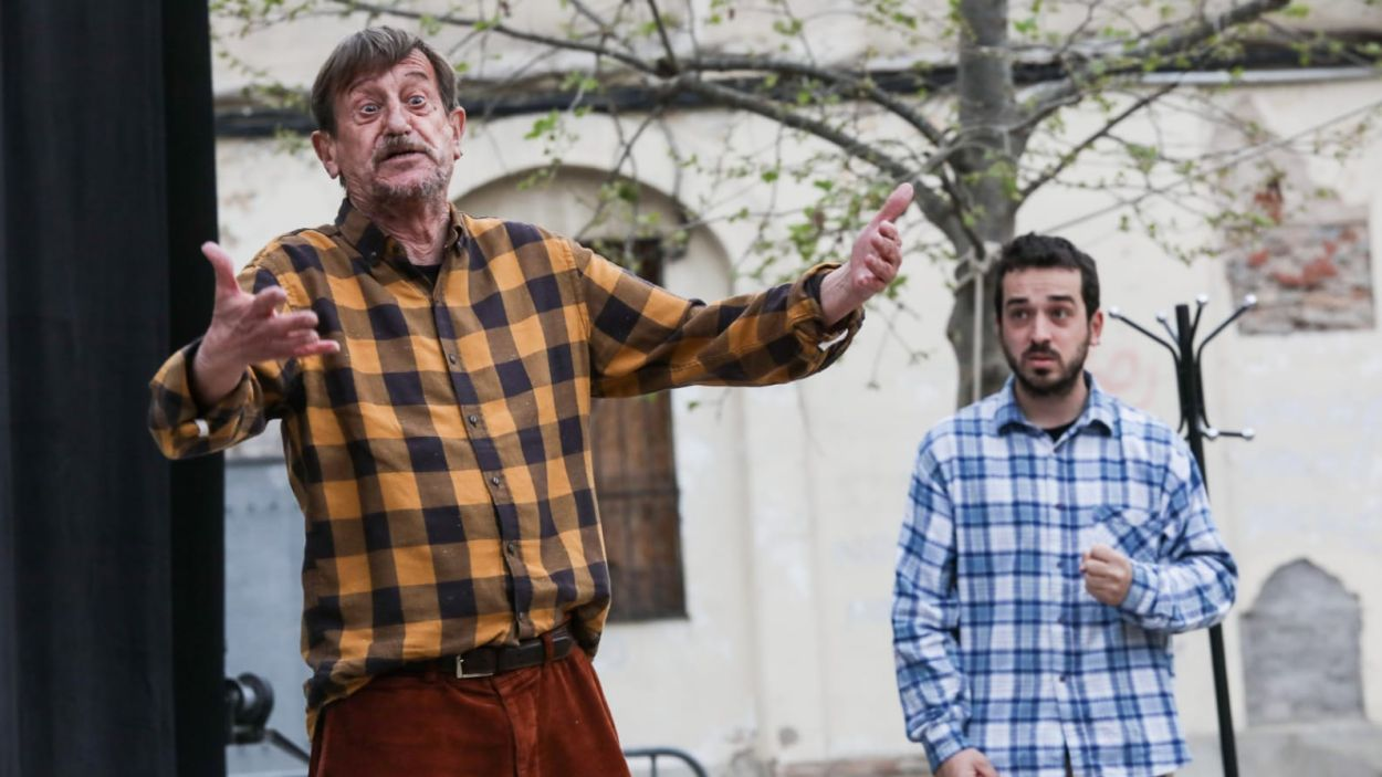 Companyies locals amateurs han pujat a l'escenari de la plaça de Barcelona / Foto: Ajuntament (Lali Puig)