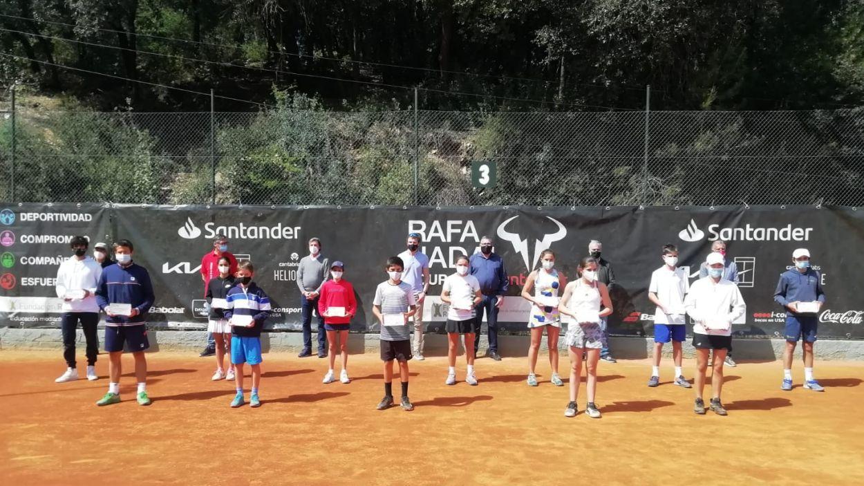 Imatge dels guanyadors del torneig de tennis Rafa Nadal Tour By Santander / Foto: Cugat Mèdia