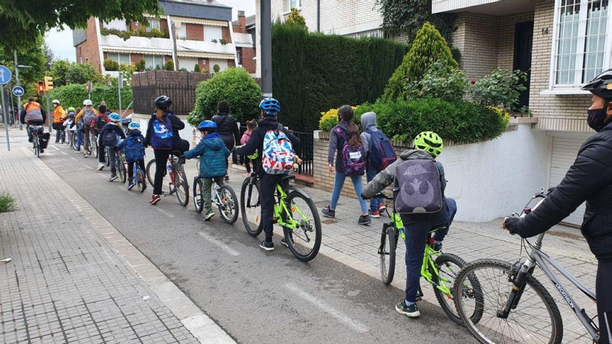 Imatge de la prova pilot del Bicibús de l'Escola Pi d'en Xandri / Foto: Cedida