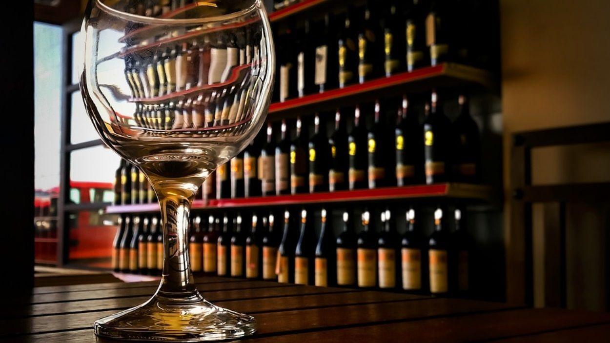 L'addicció a l'alcohol és el principal problema de les dones ateses per Projecte Home / Foto: Pixabay