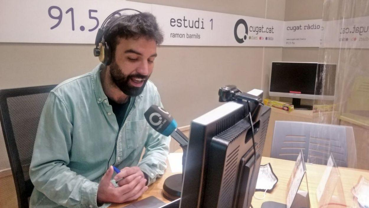 El programa l'ha conduït el periodista Martí González des de l'estudi de Ràdio Sant Cugat / Foto: Cugat Mèdia