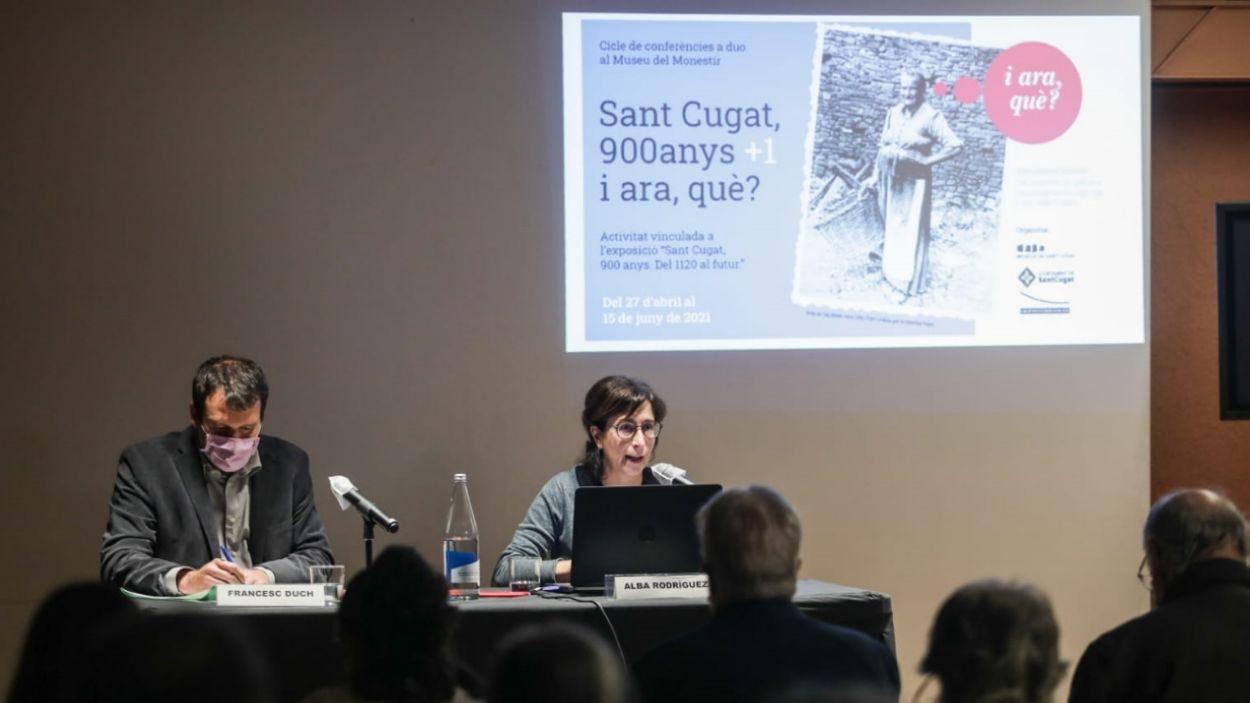 Francesc Duch i Alba Rodríguez, durant la xerrada / Foto: Lali Puig - Ajuntament de Sant Cugat