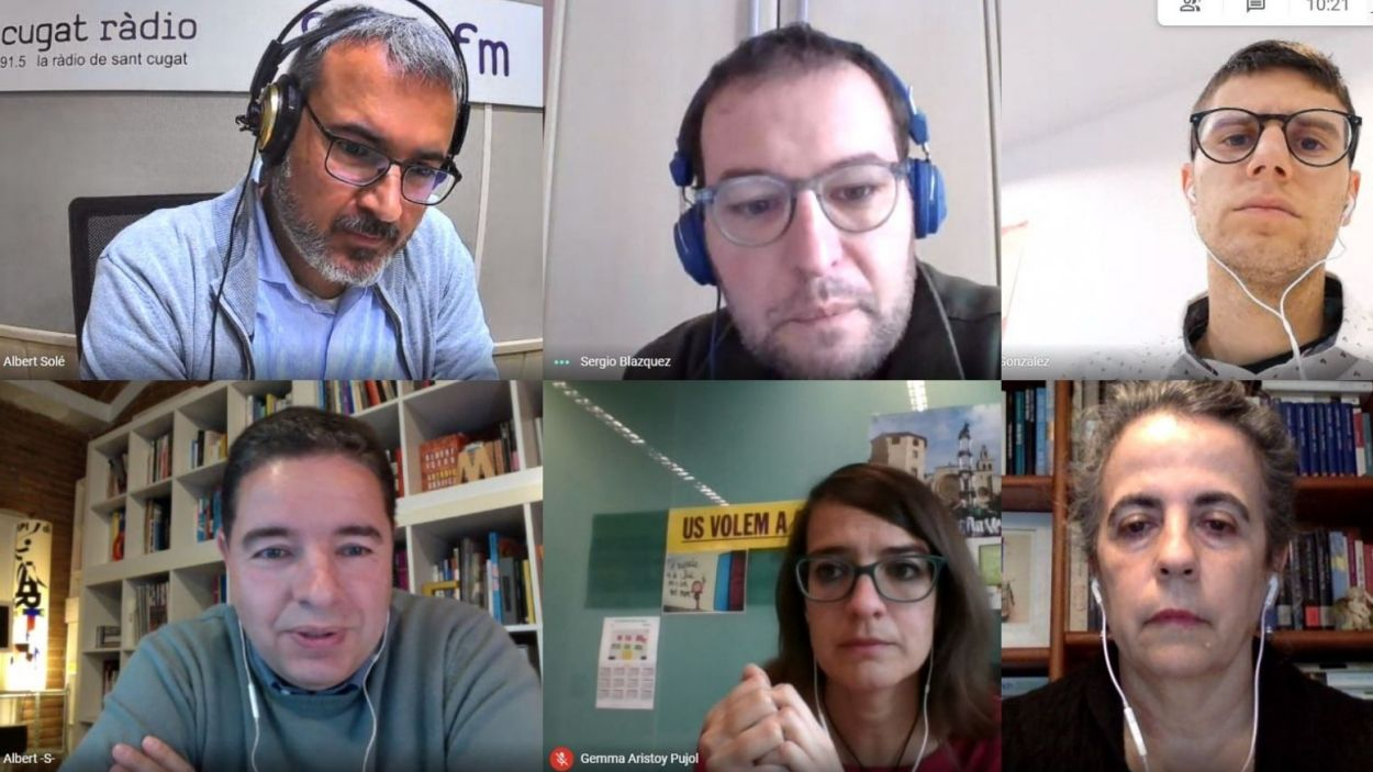 El Gall de Monestir d'aquest dimecres 28 d'abril, amb Albert Solé, Sergio Bázquez (Cs), Francesc Aguilà (PSC), Albert Salarich (Junts), Gemma Aristoy (ERC) i Lourdes Llorente (CUP) / Foto: Meet