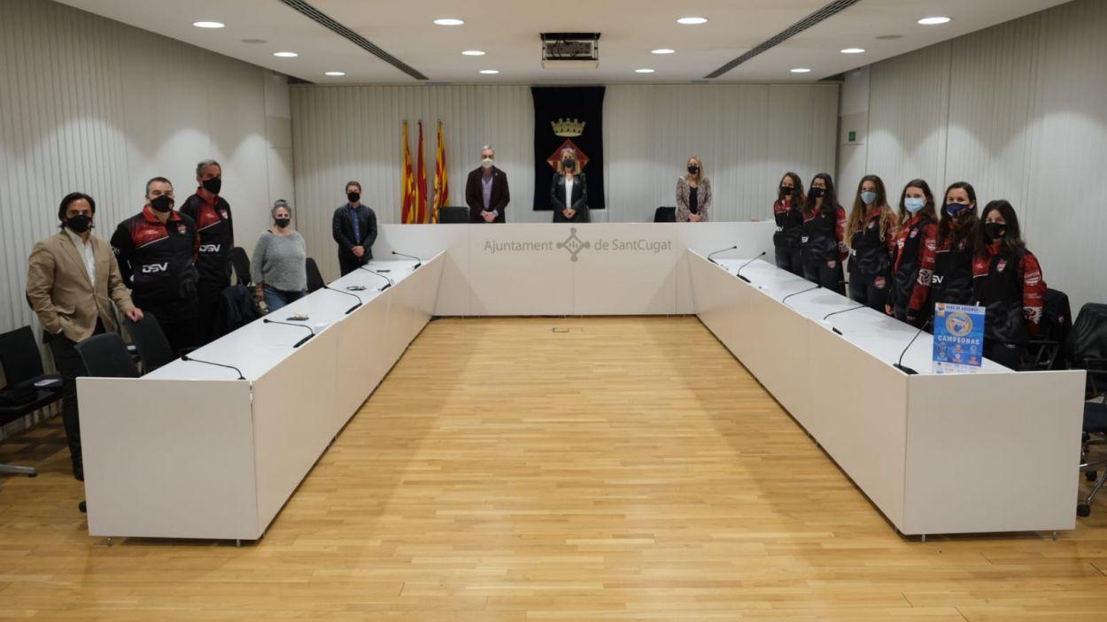 La recepció ha tingut lloc a la sala de plens / Foto: Ajuntament de Sant Cugat