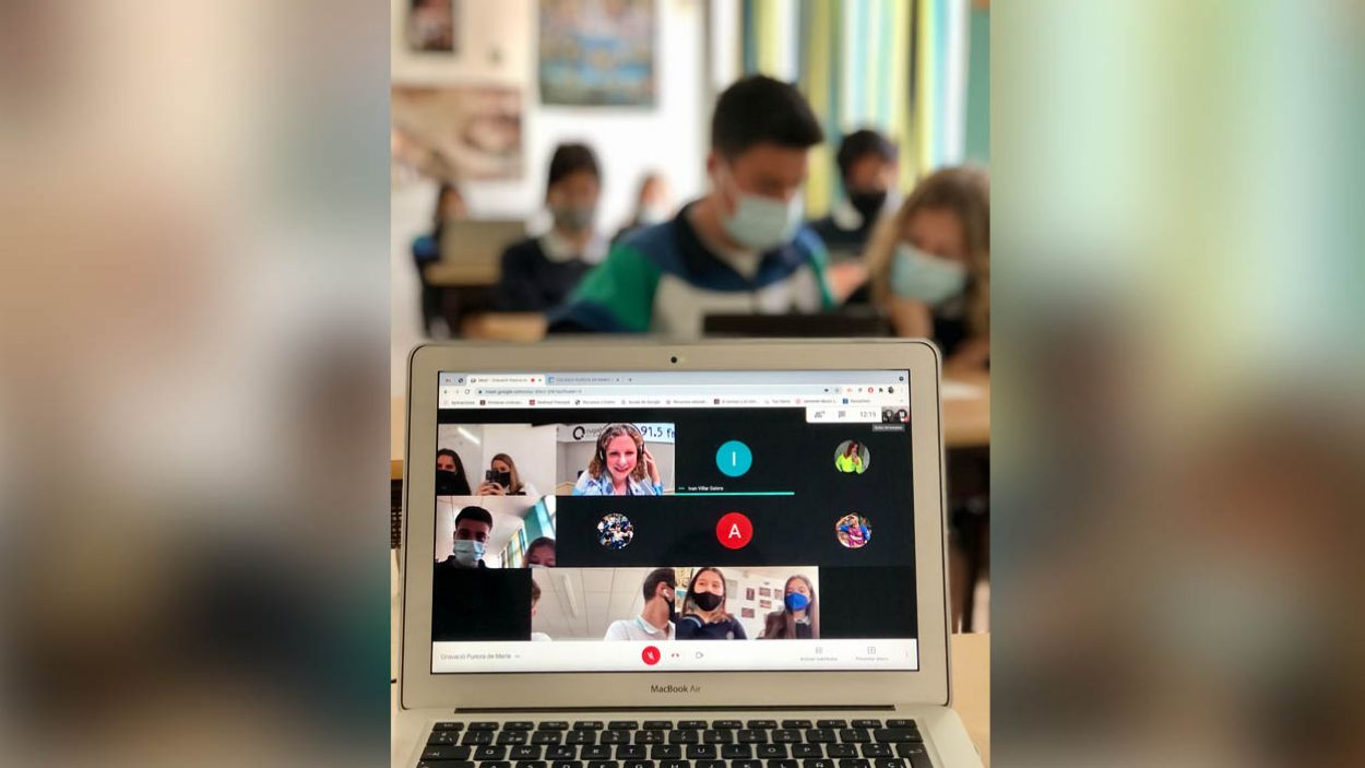 L'escola Pureza de María presenta nou podcast