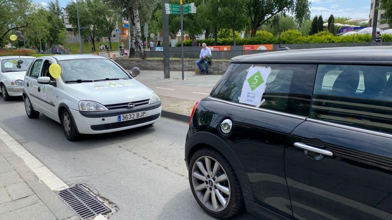 Els interins de l'Ajuntament de Sant Cugat protesten pel centre de la ciutat / Foto: Cugat Mèdia