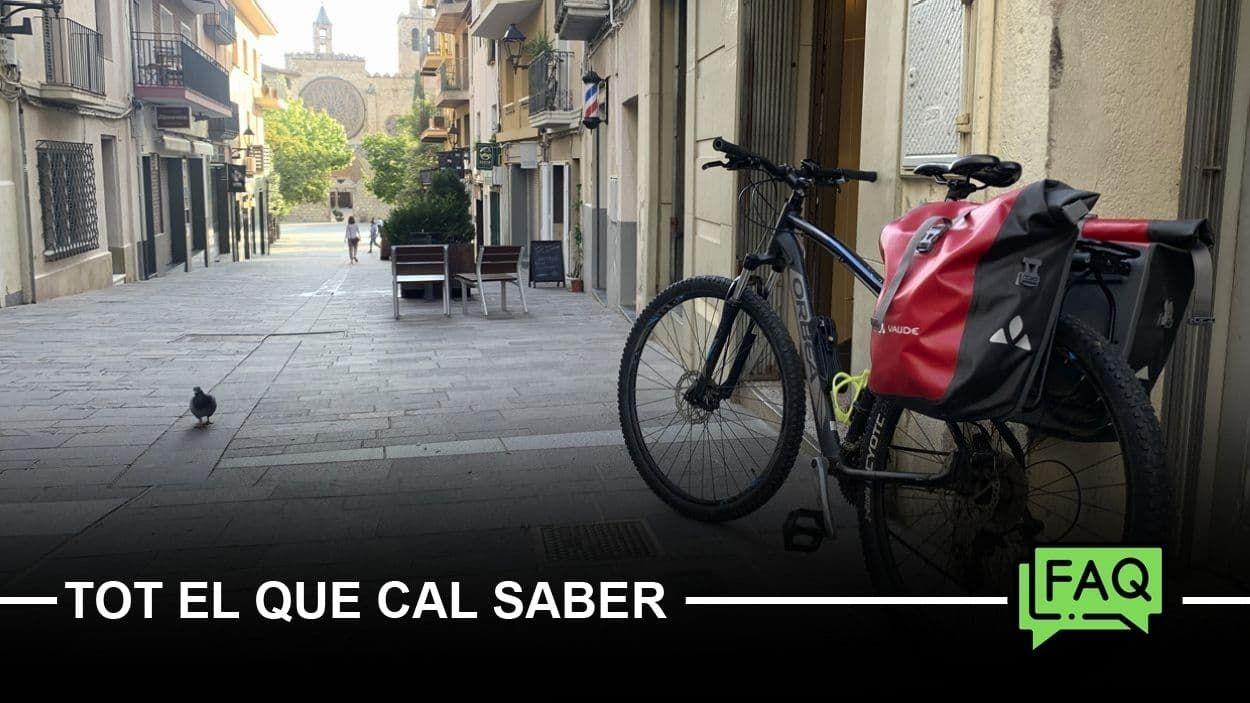 Una bicicleta al carrer Major de Sant Cugat / Foto: Cugat Mèdia