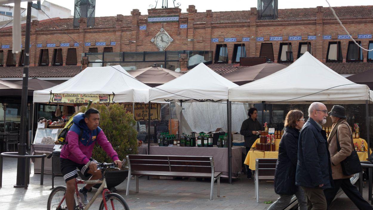 El mercat de Pagès situat a la plaça de Sant Pere / Foto: Ateneu Santcugatenc