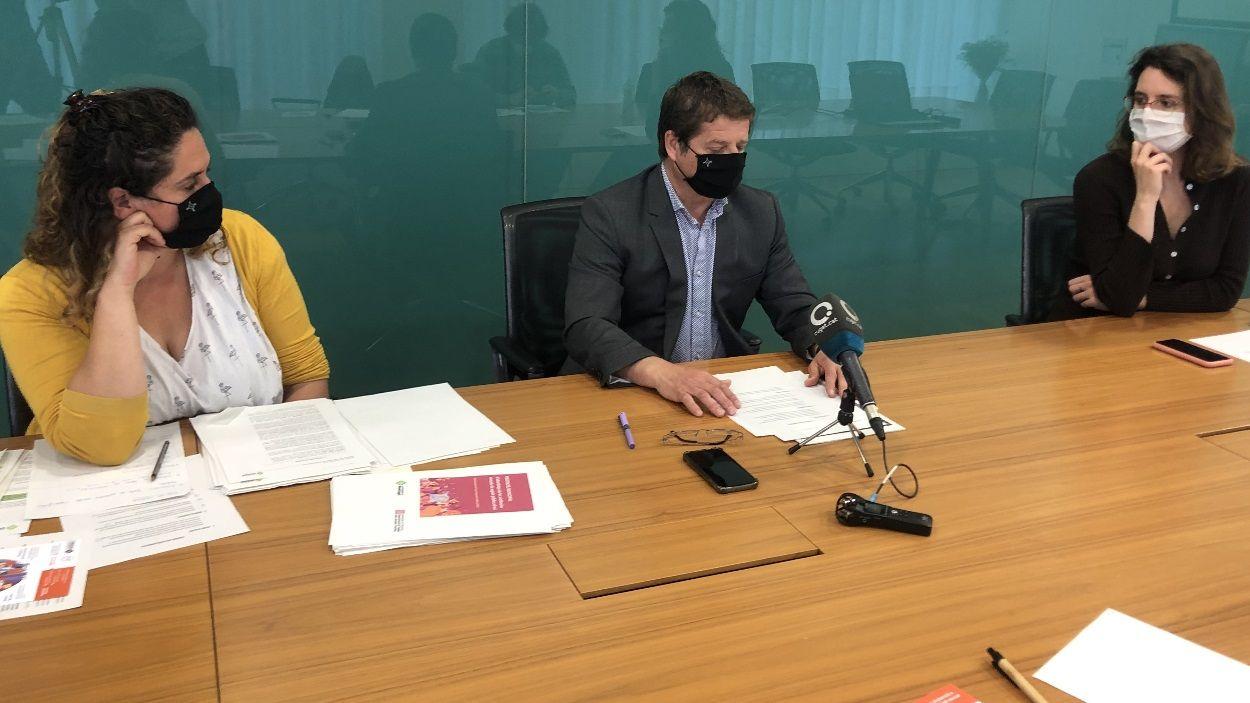 El govern ha presentat els punts que porta al ple municipal de maig / Foto: Cugat Mèdia