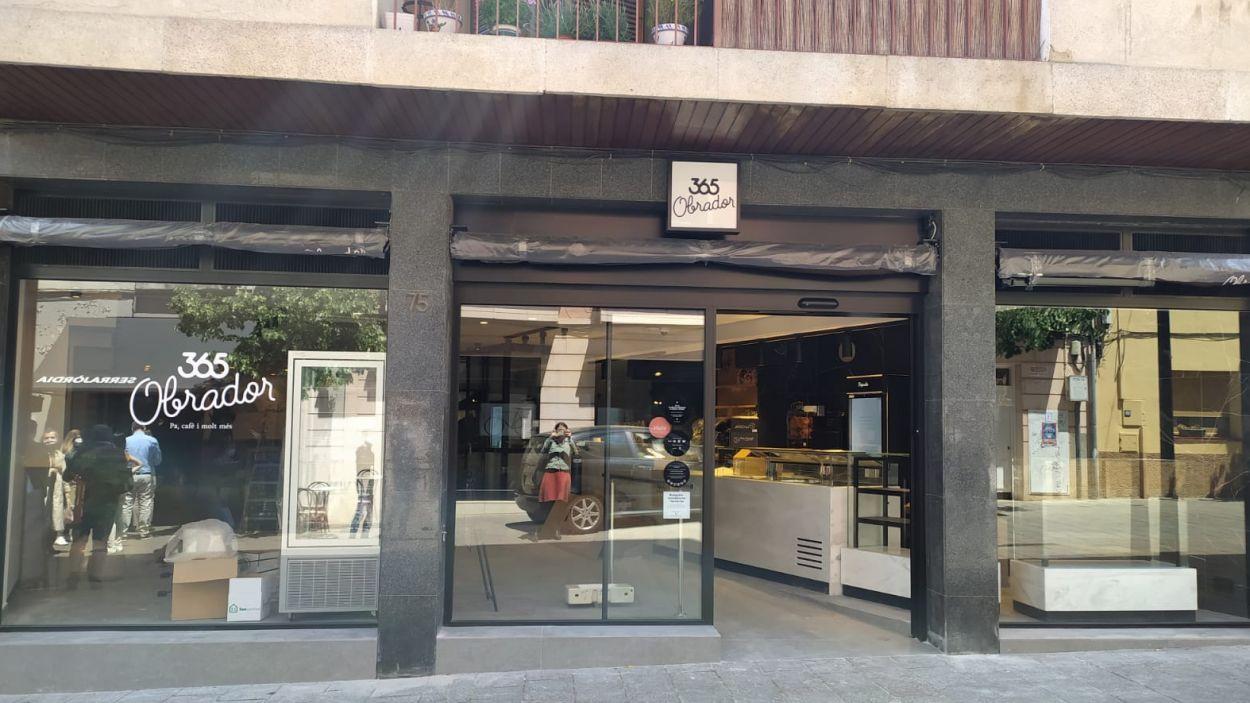La cadena de forns de pa 365 Obrador obre un segon local a Sant Cugat, al carrer Valldoreix