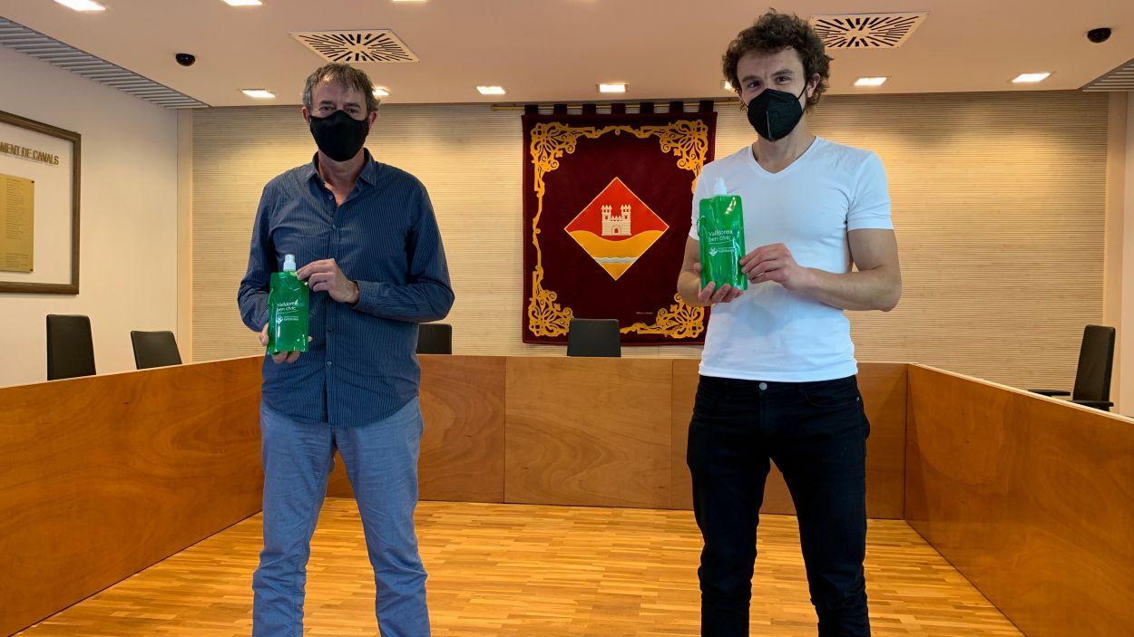 L'EMD ha comprat 1.000 ampolles plegables més a l'empresa Wuapu / Foto: Cugat Mèdia
