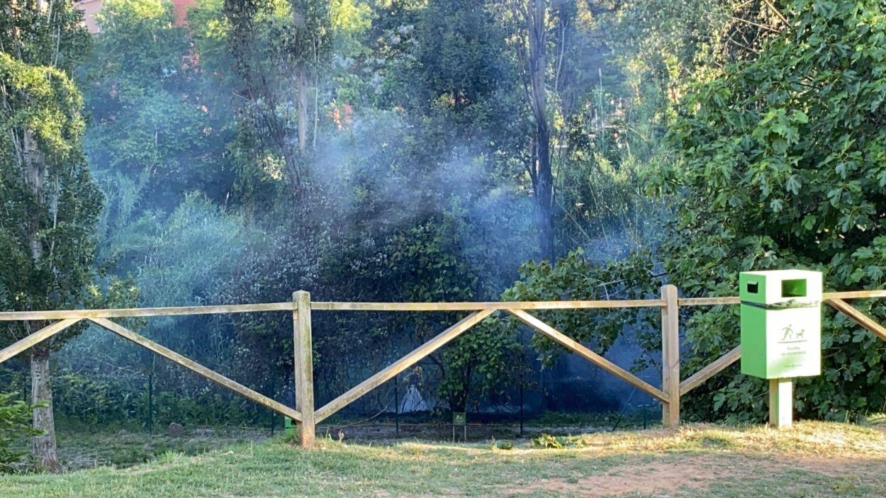 El fum s'ha fet visible des de diferents punts de Sant Cugat / Foto: Cugat Mèdia