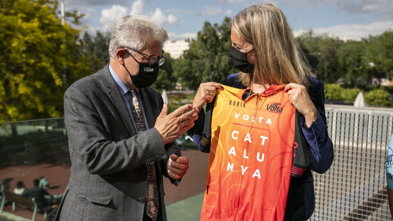 Ruben Peris amb l'alcaldessa, Mireia Ingla / Foto: Lali Puig- Ajuntament de Sant Cugat