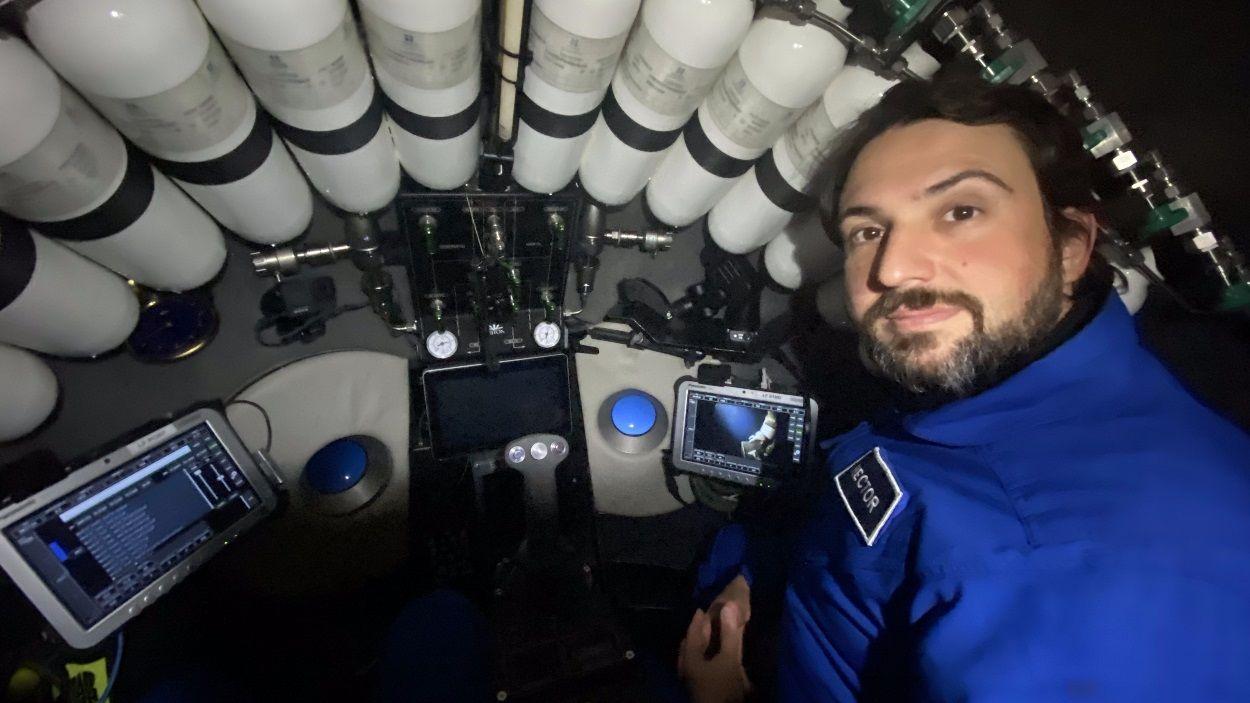 """Héctor Salvador (Triton Submarines): """"És colpidor pensar que tens quasi 11 quilòmetres d'aigua sobre el cap"""""""