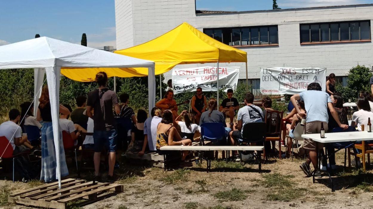La campanya 'On som les joves' ha acabat amb un vermut musical a l'Horta Alliberada / Foto: Cedida