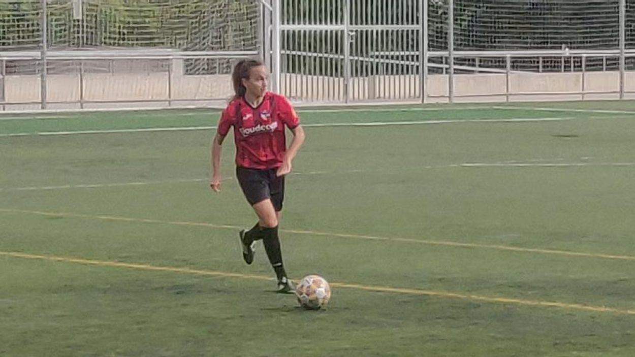 Tono Cadevall aprofitarà el partit contra l'AEM per repartir minuts entre les seves jugadores / Foto: Cugat Mèdia