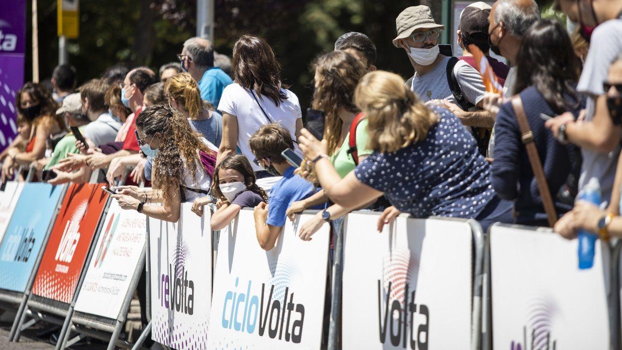 Expectació a l'arribada de la ReVolta, a Sant Cugat / Foto: Lali Puig (Ajuntament de Sant Cugat)
