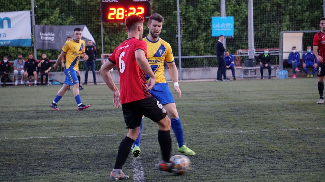 El SantCu vol ser campió de lliga aquest diumenge al camp de la Guineueta / Foto: Aina Villares