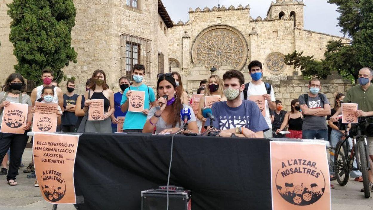 La roda de premsa ha tingut lloc davant del Monestir de Sant Cugat / Foto: Cugat Mèdia