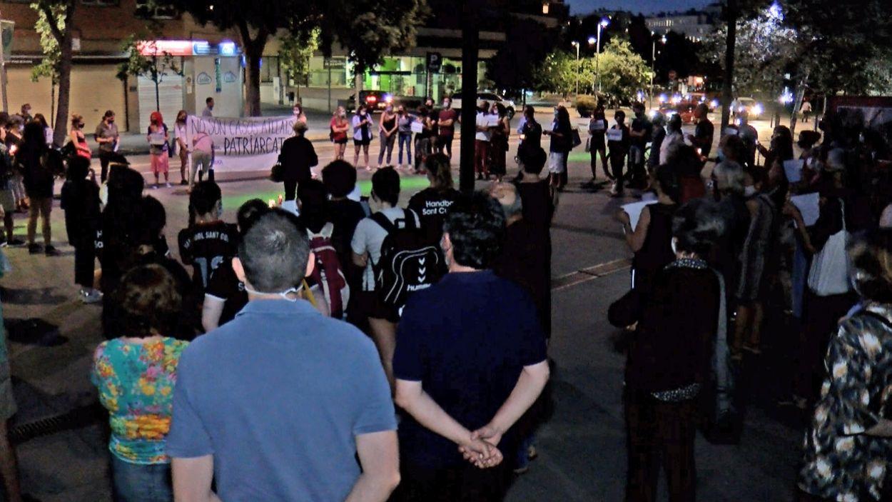 La manifestació ha tingut lloc a la plaça de la Vila / Foto: Cugat Mèdia