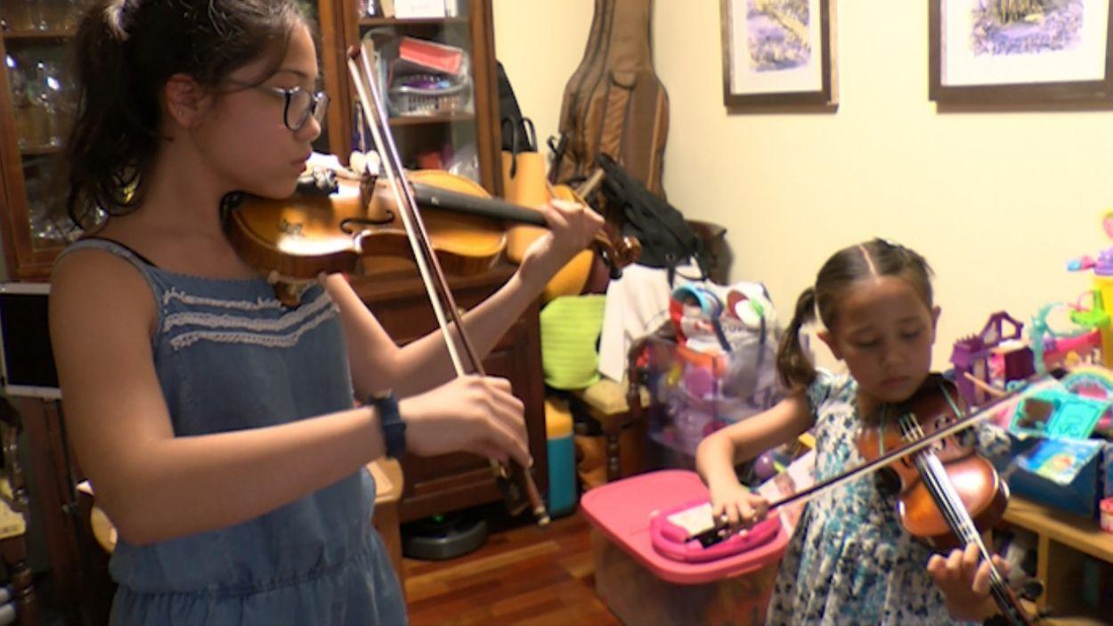 Multats per assajar amb els instruments a casa